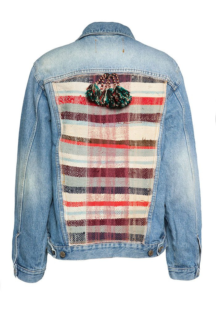 Auch an den Upcycling-Jeansjacken darf die Quaste nicht fehlen