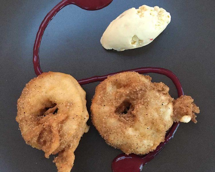 Dessert: Apfelküchle mit Vanillecreme