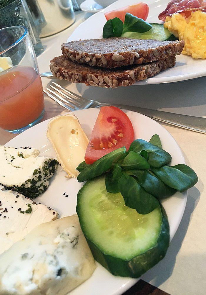 Mein Frühstück nach dem Pilates-Morgen - ein köstlich frisches Langschläfer-Frühstück für Sportliche :)