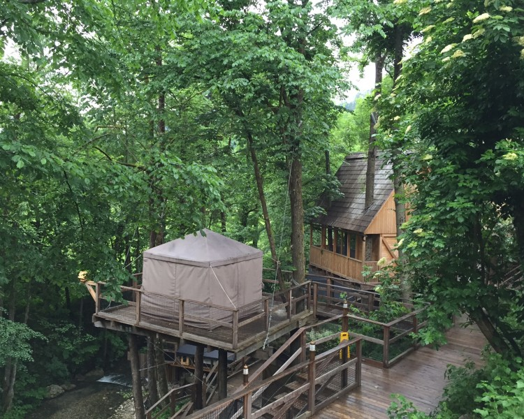 Total relaxation: Massage pavilions at the river
