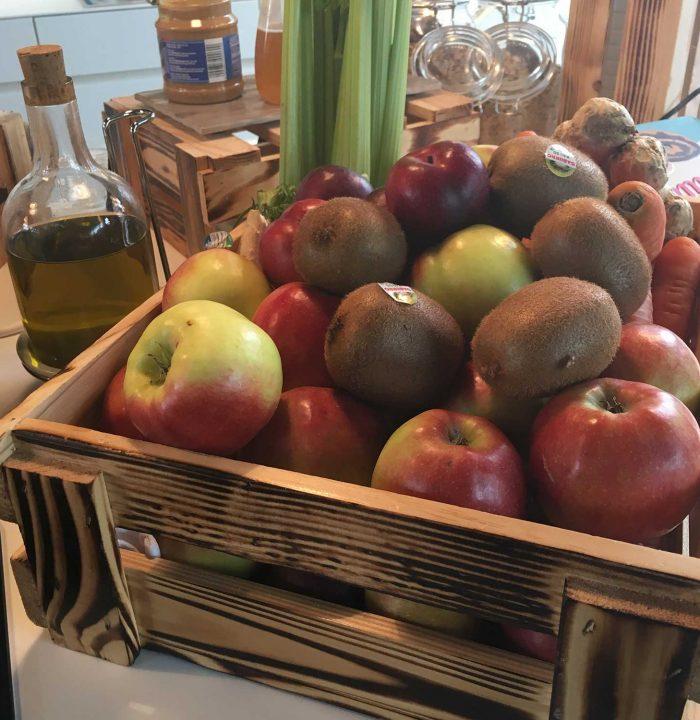Mein Hihjlight beim Frühstück: selbstgemachte Smoothies mit frischem Obst und Gemüse