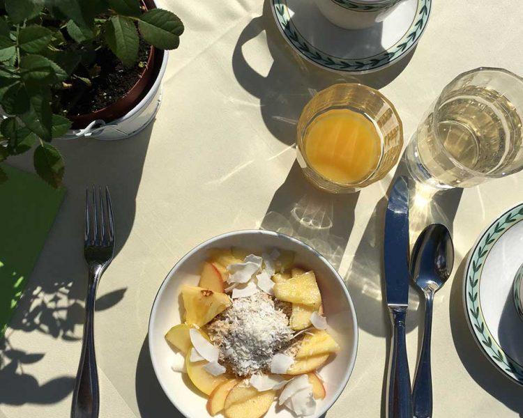 Guten Morgen! Frühstück auf der Terrasse