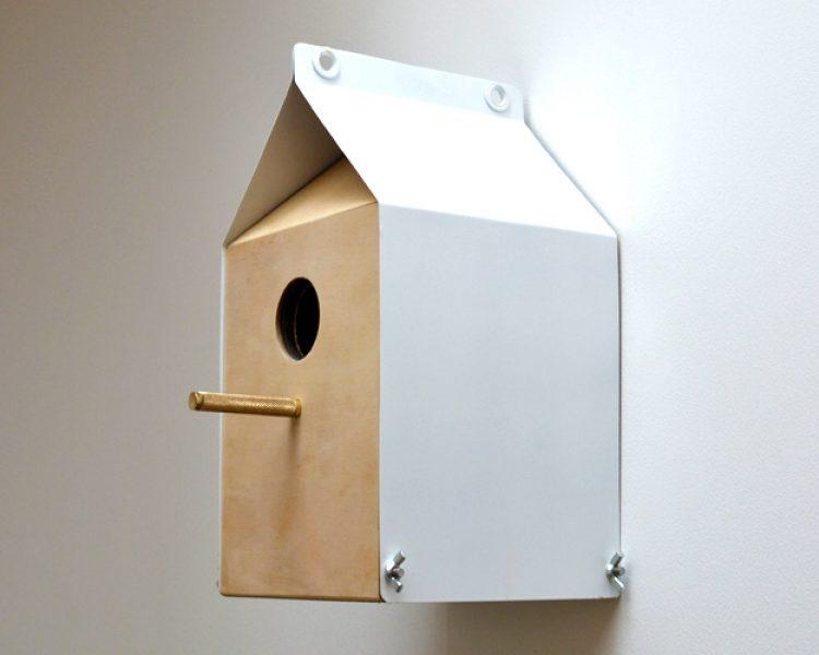 Upcycling: Vogelhäuschen aus wiederverwertetem Holz
