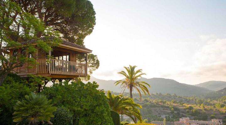 Eco-Hotels
