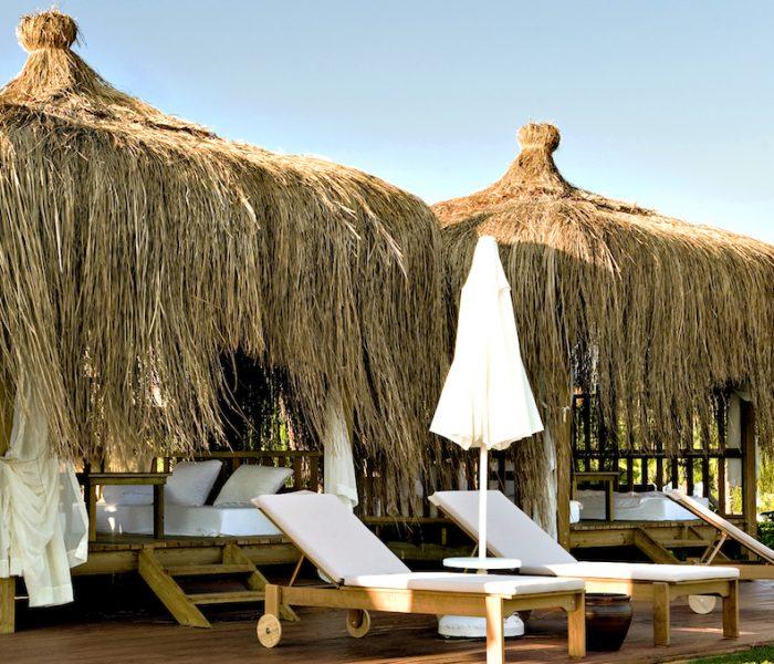 Herrlich entspannen in den Daybeds im türkischen Gloria Verde Resort