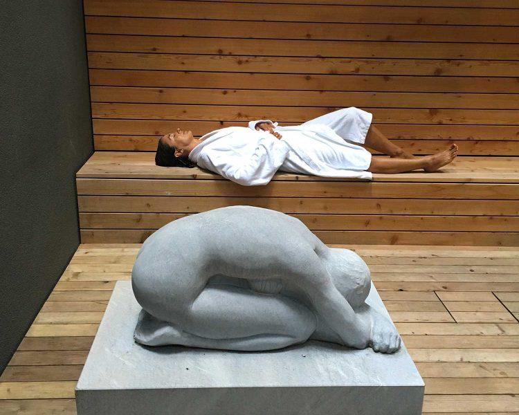 Auch die Skulpturen stammen von regionalen Künstlern
