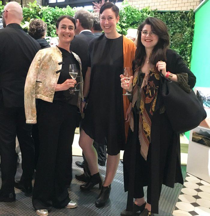 Mit mir auf dem Bild: Greenshow-Gründerin Magdalena Schaffrin und Vreni von Jäckle und Hösle und z.Zt. Edition F