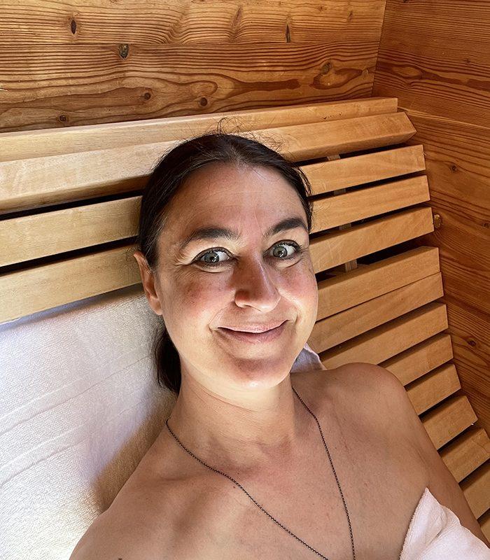 """Im Paradies. In """"meiner"""" Sauna. Auf unserer Terrasse. Für mich das vollendete Glück."""