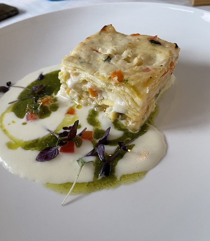 Hmmm, die Gemüse-Lasagne (gerade so groß, dass man jrichtig genießen kann und trotzden nicht vollkommen satt ist)