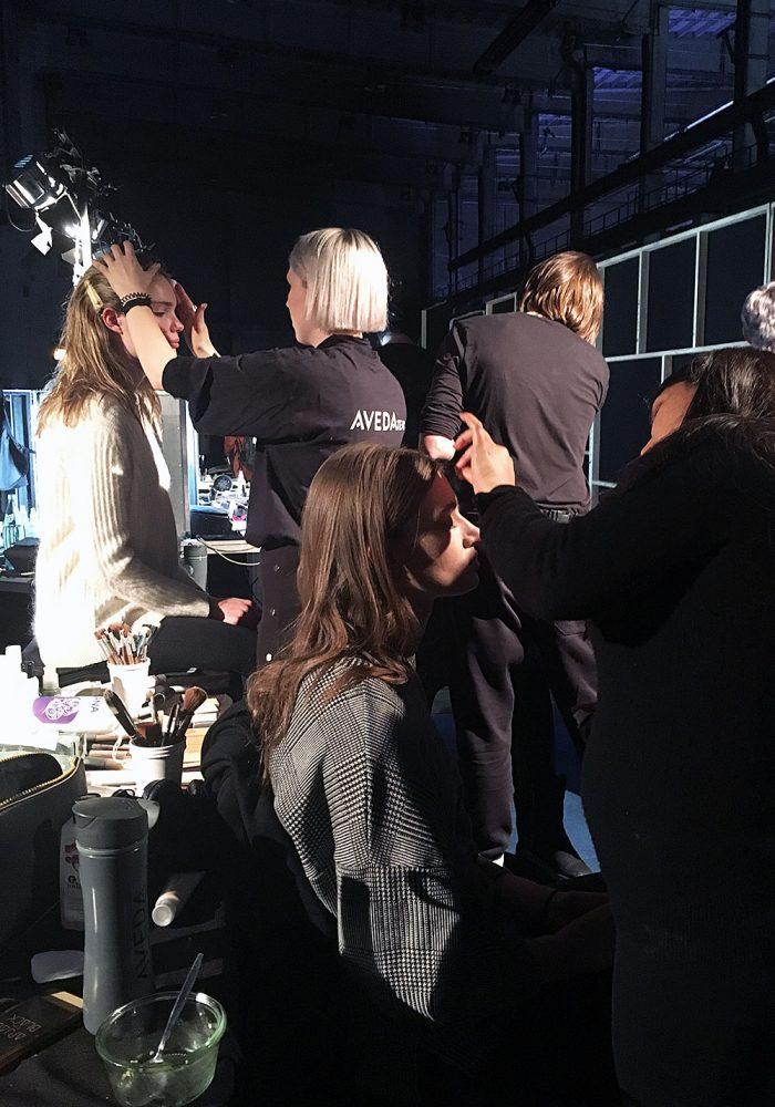 100 % betriebsam. 0 % Stress -die Beauty-Experten von Aveda bei der Arbeit