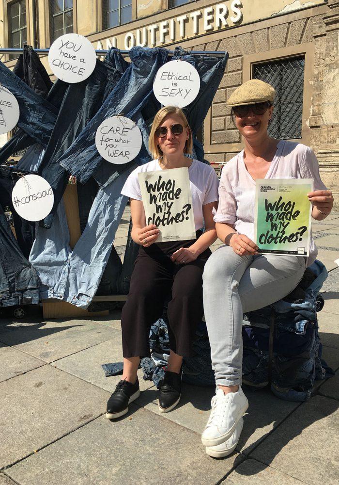 Fashion Revolution City Ambassadors und Partners in Crime: Marisa von myfairladies.net und meine Wenigkeit