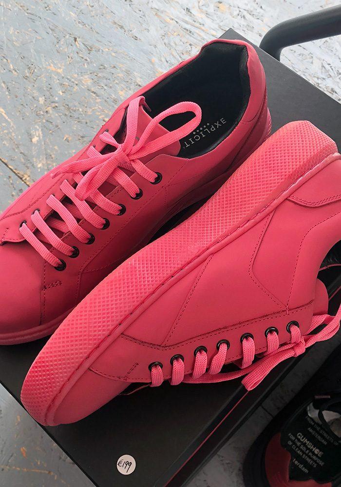 Wer rät's richtig? Aus was wurde die Sohle dieses Schuhs hergestellt? Antwort: Aus Kaugummis von den Straßen in Amsterdam. Mehr Infos unter gumshoe.amsterdam
