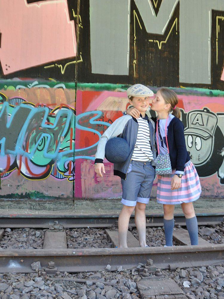 ...sich ganz schön lieb haben, auch wenn die Schwester manchmal doof ist...