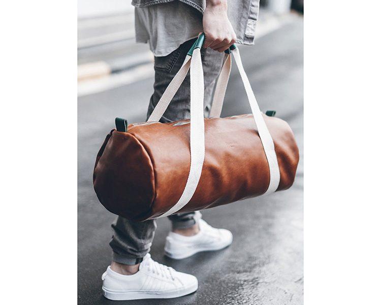 Weekender aus pflanzlich gefärbtem Eco Leder von Maravillas Bags. Um 279 Euro