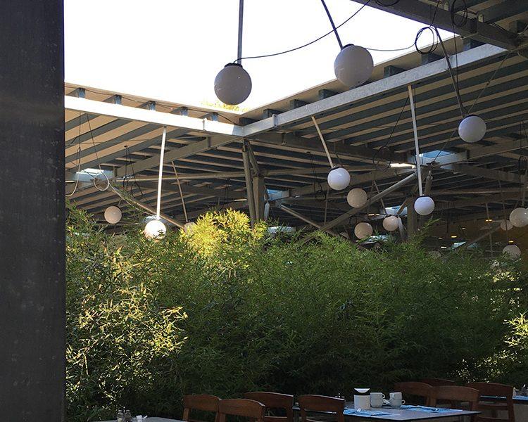 Immer den Himmel im Blick - das Hauptrestaurant