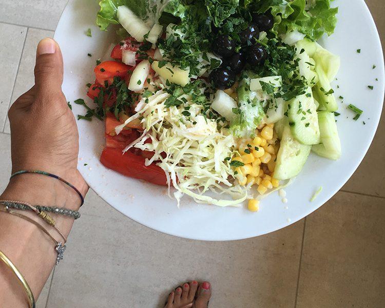 Immer frisch und knackig - mein Salat vom MIttagsbuffet