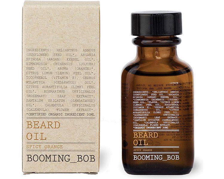 Maximal pflegendes Bartöl mit frischem Zitrusduft auf Basis von Jojoba-, Argan- und Sonnenblumenkernöl von Booming Bob, um 26,90 Euro.